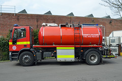 V626 DHR (Emergency_Vehicles) Tags: rescue water station fire dorset wiltshire 32 carrier iveco tankers wilton massey crossland eurocargo v626dhr