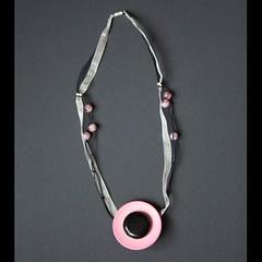 bouton rose (fabrikarine) Tags: fleur vintage collier bijoux plastic boucle fou cuivre doreille