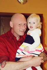 happy (Elis Abeth) Tags: girl smile germany happy deutschland father daughter christening vater tochter taufe lcheln glcklich