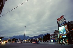 000463500010 (o331128) Tags: life city travel night photography nikon taiwan   hualien    negativecolorfilm