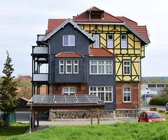 (:Linda:) Tags: germany town balcony solarpanel thuringia halftimbered hildburghausen historicism slateshingled