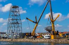 Ontmanteling Scheldekraan Vlissingen, de kop is eraf... (Omroep Zeeland) Tags: zeeland vlissingen kms kraan walcheren giek industrieelerfgoed ontmanteling scheldekraan