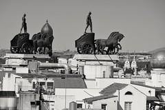 Charioteers. Aurigas. Madrid. (ithyrsus) Tags: madrid spain urbanlandscape paisajeurbano flickrcomgroupsmadridcitymolapool