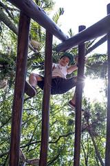 _ITA1204 (Edson Grandisoli. Natureza e mais...) Tags: parque cidade brinquedo brincar urbano criana menino jovem brincando trepatrepa 6anos regiosudeste reaverde