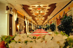 Wynn (fabian.kron) Tags: usa flower lasvegas nevada casino marble wynn lux luxo