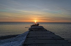 Sheridan Park Sunrise (MalaneyStuff) Tags: morning winter cold wisconsin sunrise nikon lakemichigan cudahy d5100