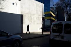 (Javier Vegas (Alias El Vegas)) Tags: madrid street vegas fuji streetphotography fujifilm streetphoto x100 javiervegas wwwjaviervegases