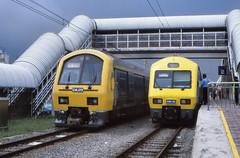 Malaysia - Keretapi Tanah Melayu - Kuala Lumpur (railasia) Tags: station 2000 ktm malaysia commuter emu kualalumpur infra sentul overtake metergauge