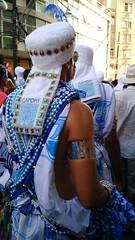 Salvador - Brasil - Carnaval 2016 (cwb news) Tags: brazil brasil de grande desfile bahia campo carnaval brazilian festa filho filhos vestido sons gandy detalhe uniforme gandi bordado 2016 integrante ghandy