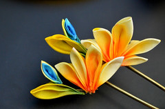 bird of paradise 06 (Bright Wish Kanzashi) Tags: flower yellow handmade silk exotic birdofparadise tsumami cadmium kanzashi customdesign zaiku