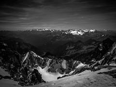 Vue d'en Haut (Frdric Fossard) Tags: altitude horizon glacier neige chamonix alpinisme montblancdutacul sommet valle crtes cimes tourronde massifdumontblanc artes artedelabrenva