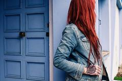 Blue Monday... (la.churri) Tags: color mujer nikon gente retrato asturias carol levis musa pelirroja blessed tatuajes 2016 d90 nikkor35mm