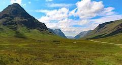 Glencoe - 2 (yorkiemimi) Tags: blue sky mountains green nature clouds landscape scotland scenery natur himmel wolken berge gb landschaft schottland