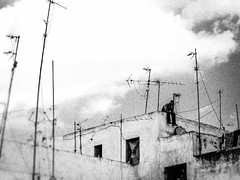 My head in the clouds. Fes (Morocco) (Pedro R. M.) Tags: life africa sky bw cloud blancoynegro rooftop thought you dream olympus ciel morocco vida maroc antena now nuage marruecos nube fes vie ici