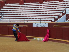 Two illusions (drager meurtant) Tags: spain illusion bullfighting sanlucardebarrameda excersise