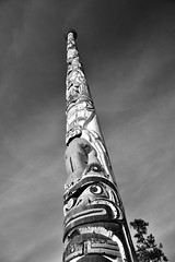 Kwakiutl Totem Pole (thejtype) Tags: canada art water coast virginia pacific totem pole gift kwakiutl