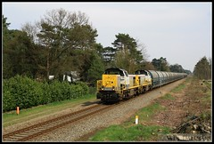 NMBS SNCB 7781-7774-Zinkerts Balen 14042016 (W. Daelmans) Tags: train diesel railway locomotive 77 trein spoorweg balen nmbs locomotief sncb 7774 hld 7781