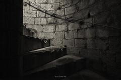 Verso dove? (cuvato rocco) Tags: bw muro scale monocromo prato luce castellodellimperatore roccocuvato