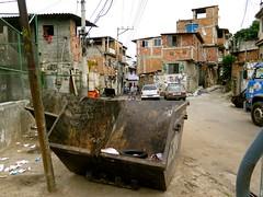cacamba (CatComm | ComCat | RioOnWatch) Tags: brazil water gua brasil riodejaneiro sewage favela picapau esgoto cordovil