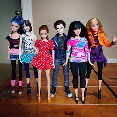 New round of hybrids (WhatIfChris) Tags: twilight barbie curvy hybrid mattel yuna momoko rebody raquelle zeenie disneydesendents