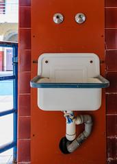 20151229-FD-flickr-0014.jpg (esbol) Tags: bathroom shower ceramics sink bad toilet toilette bathtub badewanne urinals pissoir keramik dusche waschbecken kloschssel kloset