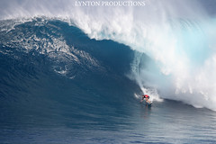 IMG_9470 copy (Aaron Lynton) Tags: canon waves sigma surfing jaws xxl peahi bigwave wsl lyntonproductions