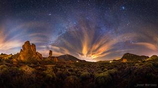 Vía láctea de invierno sobre el ParqueNacional del Teide [Explore]