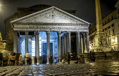 These old stones (Robert Moranelli) Tags: italy roma pantheon it lazio