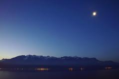 Lman bleu (Valentin le luron) Tags: montagne lune switzerland nikon riviera hiver lac lausanne unesco bleu e yves paysage lman 800 heure bleue vaud lavaux romandie grammont chardonne paudex 20150204
