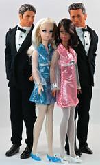 Silkstone Francies in Skipper Fashion Avenue (moogirl2) Tags: barbie skipper 90210 mattel francie 90s fashionavenue lukeperry 90sfashion dylanmckay brandonwalsh jasonpriestly silkstonefrancie skipperfashionavenue