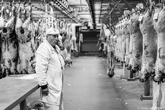 (adrien.morlent) Tags: bw market streetphotography nb meat streetphoto march artisan boucher reportage viande rungis stphotographia