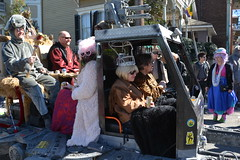 Socit de Ste. Anne 089 (Omunene) Tags: costumes party fun neworleans parade alcohol mardigras partytime faubourgmarigny licentiousness neworleansmardigras walkingparade socitdesteanne mardigras2016 alcoholfueledlicentiousness roylstreet