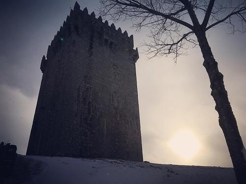 Aqui rezam-se muitas lendas... ❤️  Um dos 10 castelos mais bonitos do meu país lindo, e um dos meus sítios preferidos. ❤️  #Portugal #Montalegre