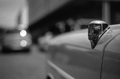 blink blink (chipsmitmayo) Tags: auto light blackandwhite film car analog licht nikon bokeh f14 85mm meeting f100 front 150 classics hood oldtimer 100 monochrom nikkor agfa rodinal schwarzweiss apx speicherstadt mnster treffen rallye mnsterland indicator blinker westfalen vorne seite selfdeveloped youngtimer automobil 2015 coerde unschrfe motorhaube adonal abbiegen selbstentwickelt