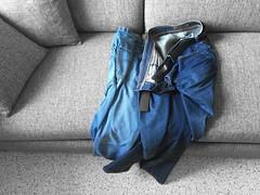 """Foto7daagse 2016, dag 5 """"slordig"""" (cindydebree.nl) Tags: blue apple blauw jeans trousers blau bla iphone fotoproject broek fotoopdracht slordig iphone6 f7d iphone6plus vegetarian6"""