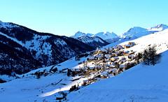 dernier rayon de soleil sur Saint Veran (Tinou61) Tags: montagne alpes village hiver paca neige queyras randonne hautesalpes saintveran lesplusbeauxvillagesdefrance