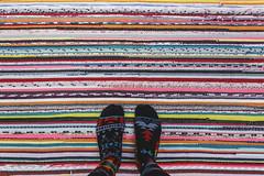 Cores & Formas (argyriou | @argyriou_) Tags: feet colors lines socks cores colorful walk rug pés form forma passo 2016 argyriou