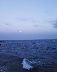Cape Cod, Massachusetts (Nicolllle) Tags: blue moon beach port waves dusk massachusetts cape dennis cod dennisport