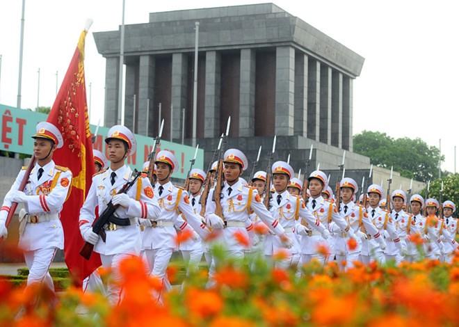 Lễ thượng cờ tại Quảng trường Ba Đình