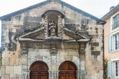 20160423 Provence, France 02570 (R H Kamen) Tags: france architecture vaucluse perneslesfontaines buildingexterior provencealpesctedazur builtstructure rhkamen