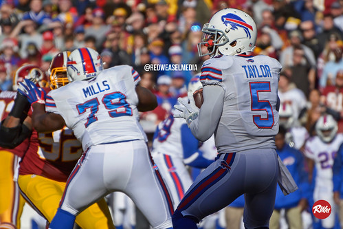 Tyrod Taylor Stands in the Pocket