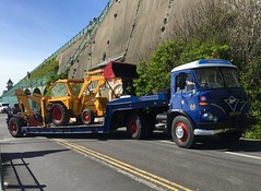 London Brighton 2016 (South Strand Trucking) Tags: show road sea sun classic water truck vintage jcb rally may run lorry restored seafront artic bankholiday lorries foden lowloader hcvs
