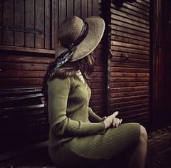 Un Soir d'Octobre (VINSO Photographie) Tags: woman house david french ferret dress robe femme bordeaux hasselblad cap chapeau chalet maison bois arcachon bassin aquitaine gironde vinso