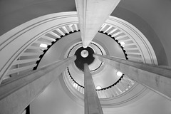 rays (Jacques Tueverlin) Tags: bw abstract texture architecture composition canon deutschland eos blackwhite mesh steps struktur structure treppe staircase architektur canoneos gitter stufen treppenhaus 2016 demmler