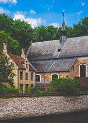 Begijnhof (Linus Wrn) Tags: church architecture canal europe belgium unescoworldheritagesite unesco unescoworldheritage flanders begijnhof