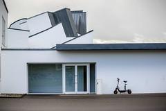 run like the wind (aperture one) Tags: building architecture modern germany deutschland europa europe geometry structure architektur vitra gebäude badenwürttemberg weilamrhein geomtrie