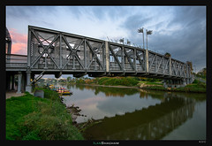 The Bridges of Osishkin County (Ilan Shacham) Tags: park old bridge urban reflection green metal river landscape outdoors israel telaviv cityscape view fineart scenic bailey fineartphotography yarkon baileybridge osishkin