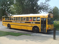 2005 IC RE - Owensboro Independent 1305 (Seasonal Spectacular) Tags: international schoolbus typed icre owensboroindependent