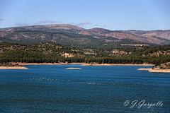 Agua y montaas (J.Gargallo) Tags: espaa canon eos spain agua paisaje pantano nubes castelln comunidadvalenciana eos450d 450d sitjar canon450d ribesalbes canonefs18200