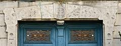"""Arcachon, Gironde, ville d't: la Maison universelle qui se vante dans un guide de 1890-1892 de pouvoir meubler n'importe quel """"chalet"""" en 24 heures, """"de quelque importance qu'il soit"""".... (Marie-Hlne Cingal) Tags: france twins iron 33 m r l arcachon fer sudouest aquitaine gironde twozweideuxduedva2 villedt"""